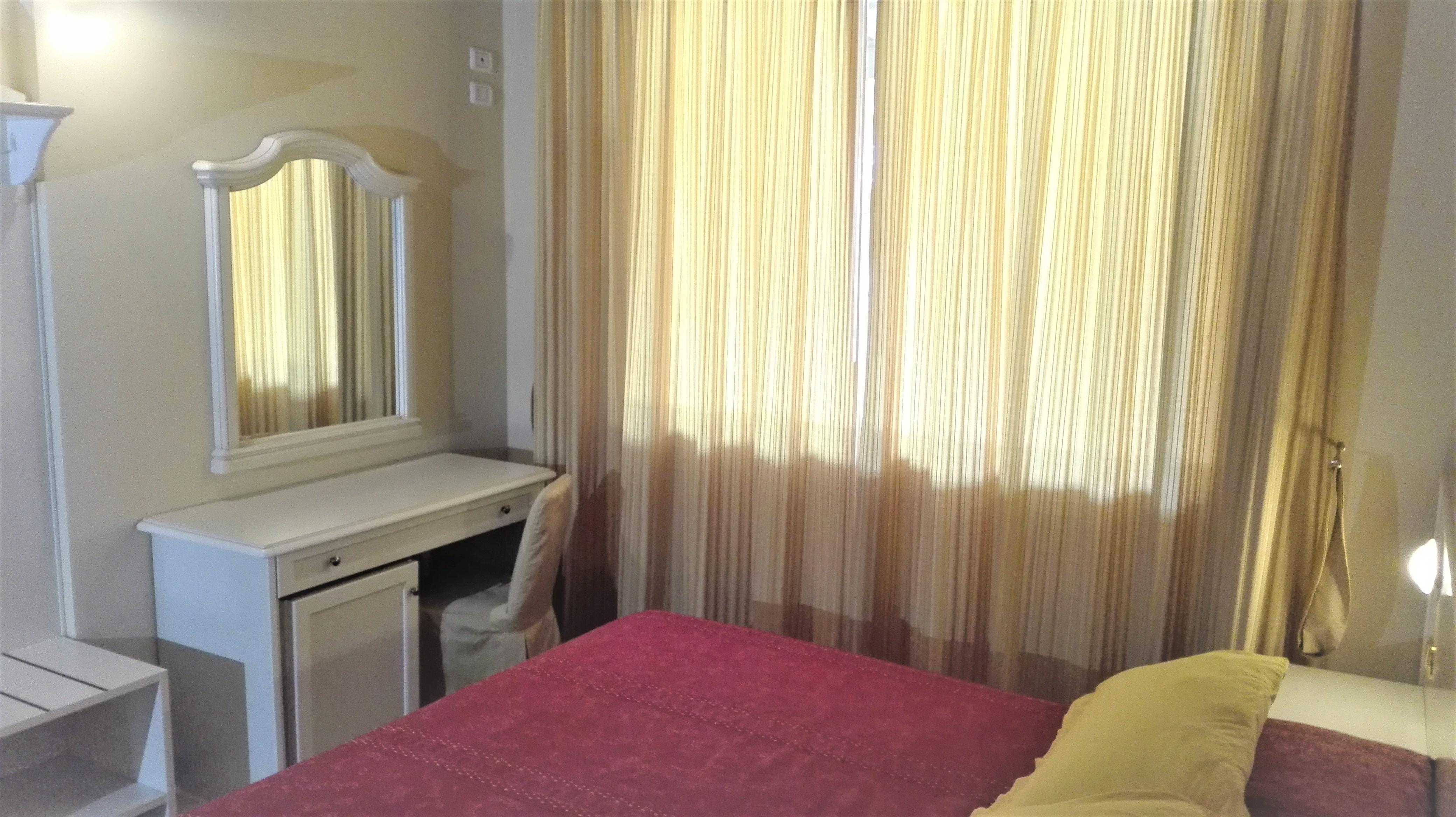 Für einen Urlaub in Manerba, in Komfort, Kaffeemaschine, Kühlschrank, Klimaanlage, Garage