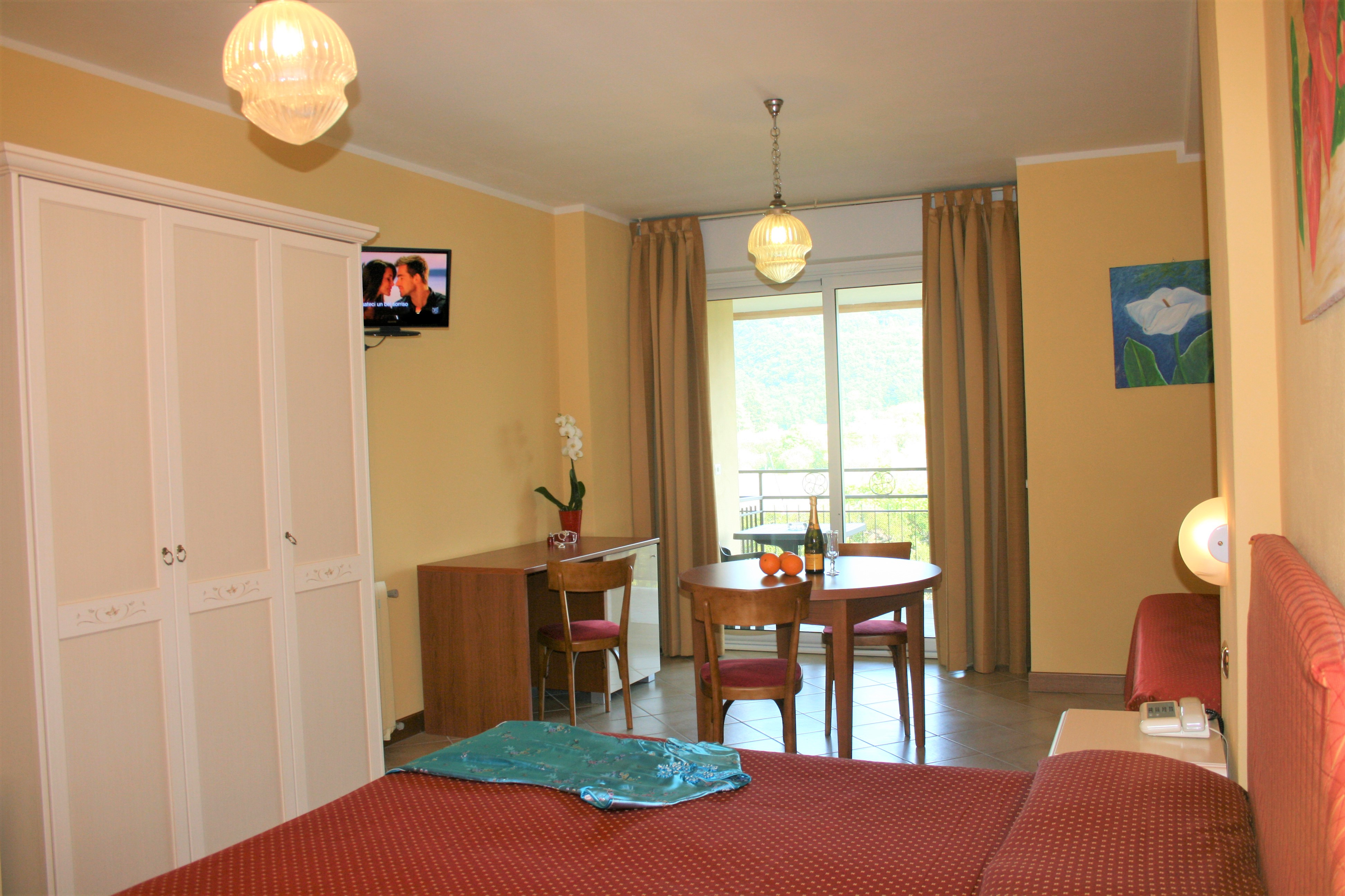 Superior Room in Manerba A holiday near the Gulf of Garda where you can save money without sacrificing luxury