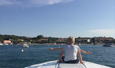 Wir machen aus Ihrem Urlaub ein Erlebnis! Ab 2019 bieten wir den deutschen Sportboot führerschein am Gardasee an! Sie können Ihren Bootsführerschein im Urlaub erlangen, so dass Sie noch wührend Ihrer Ferien